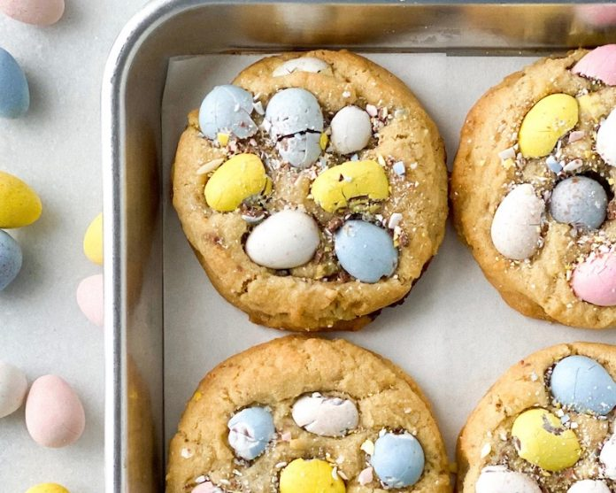 Browned Butter, Mini Egg e Chocolate Chunk Cookies 1